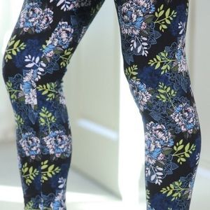 Pants - Beautiful blue and green butter soft leggings