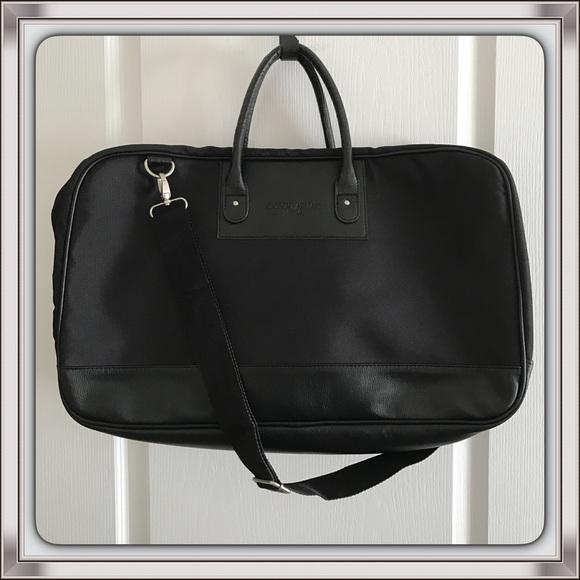 Giorgio Armani Other - Giorgio Armani Parfums Duffle Bag d060661bcabed