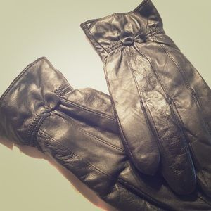 Black 100% Leather Gloves