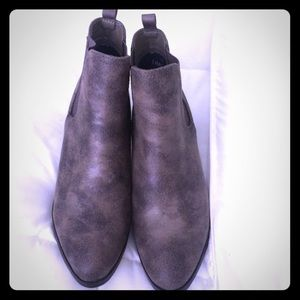 bucco Shoes - Brand new ankle booties