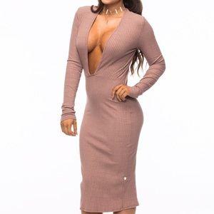 NYTT Dresses & Skirts - NYTT Plunge Dress