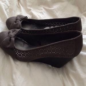 Report Shoes - Report Suede Wedges