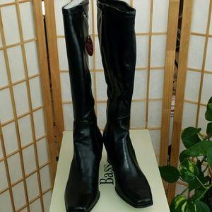 Bass Shoes - Brand New NWT Bass Stretch boots sz 11