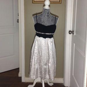 Max & Cleo Dresses & Skirts - Black and grey strap dress