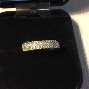 Jewelry - Beautiful gold ring with small diamonds heart form
