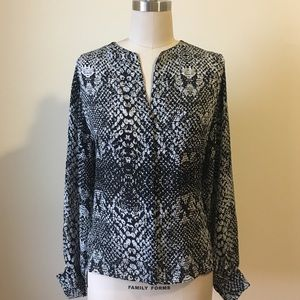 • Parker black and white M 100% silk top •