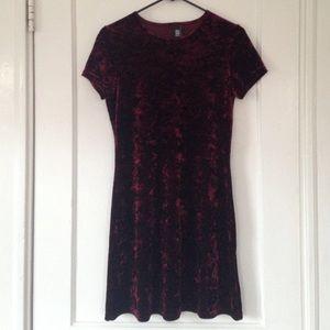 Amy Byer Dresses & Skirts - Crushed velvet shift dress