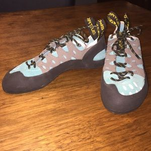 La Sportiv Shoes - La Sportiva rock climbing shoes