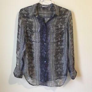 •Equipment gray/blue snakeskin 100% silk top S•