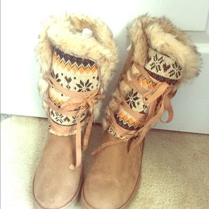 NEVER WORN JustFab Faux Fur Aztec Print Boots- NEW