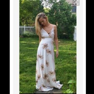 Amazing Lace Dresses & Skirts - Flowers In Her Hair White Maxi - Amazing Lace