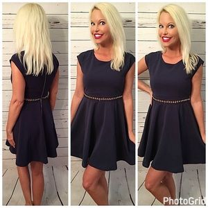 Dresses & Skirts - Ribbed  fit n flare gold detail dress in navy!