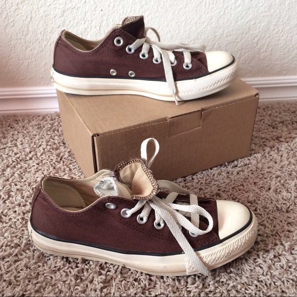 d9aeb369159b Converse Shoes - Converse brown double-tongued low-top Chuck Taylor