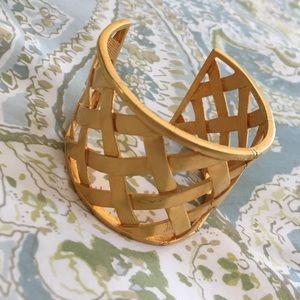 KENNETH JAY LANE lattice gold cuff bracelet