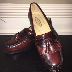 G.H. Bass & Co. Other - G.H. Bass & Co. Wine Leather Loafer w/Tassel - EUC