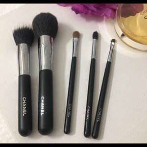 CHANEL Other - 💯Authentic Chanel x5 brush from Set pro kit Gorg✨