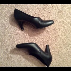 Leather Booties Pump style