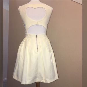 Tea n Cup Dresses & Skirts - ‼️SALE‼️🔥Ivory classic heart dress 👗