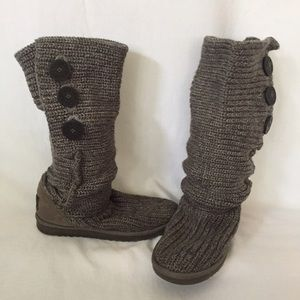 Like new Ugg Cardy Gray slouchy knit boot Size 6.