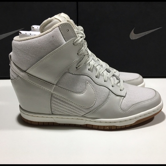 finest selection 1ed21 f4961 Women s Nike Dunk Sky HI Essential NEW 644877-002