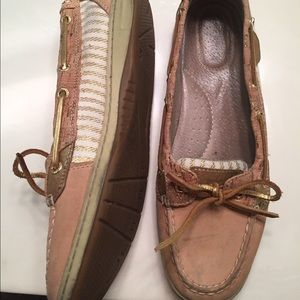 Sperry Topsider's in tan and gold size 9