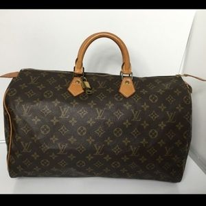Louis Vuitton Handbags - 100% Louis Vuitton Speedy 40 with lock & key.