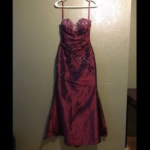 Dresses & Skirts - Maroon Sequin Dress