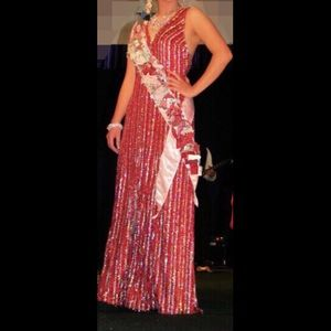 Dresses & Skirts - 🌹🌹Stunning Red Dress🌹🌹