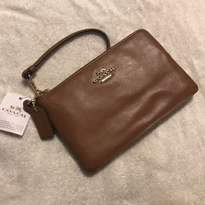 Coach Clutches Wristlet Bag