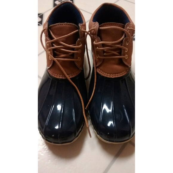 Sperry Shoes   Nwot Tommy Hilfiger Duck Boots   Poshmark 37b435087cfd