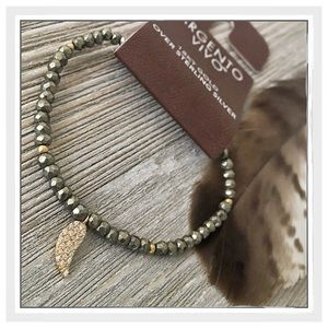 Argento Vivo Jewelry - ✨18K Gold Plated SS Pyrite Feather Bracelet✨
