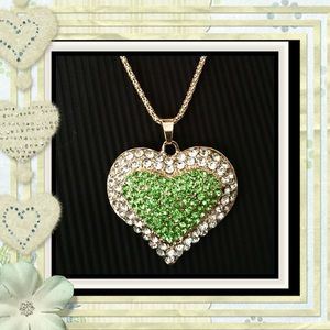  BREATHTAKING CRYSTAL HEART PENDANT 