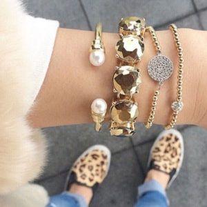 NWT Gold Metallic Gem Bracelet