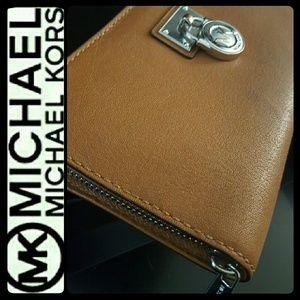Michael Kors Handbags - Michael Kors Leather Zipper Wallet