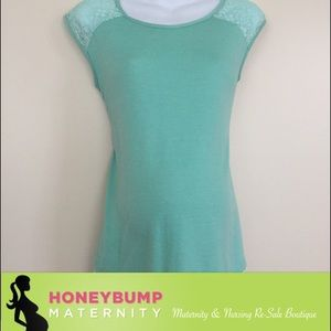 Lace maternity top size medium