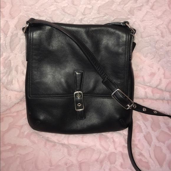 7ae7ca17994e Coach Handbags - Coach Black Leather Crossbody Swingpack M33-9592