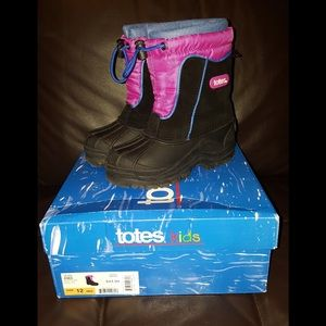 Totes Other - Girls Snow Boots size 12