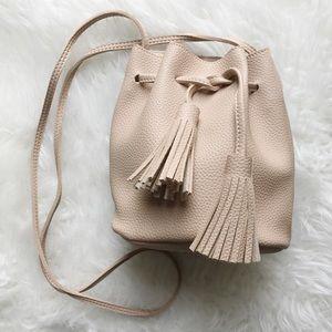 clmayfae Handbags - Nude Pebble Vegan Leather Bucket Bag w Tassels