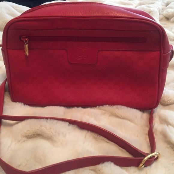 d482ea7d29c Gucci Handbags - Vintage Gucci crossbody bag🎈🎈SALE🎈🎈😃
