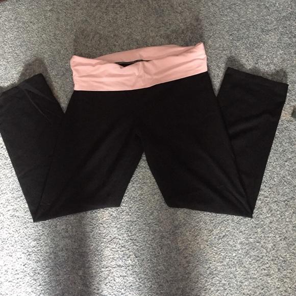 d6cbd18624349 Victoria's Secret short XL yoga pants