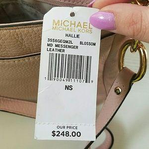 052982673c5627 Michael Kors Bags - NWT Michael kors Hallie crossbody in blossom