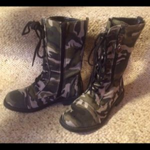 Link Other - Girls's Green Camouflage Boots