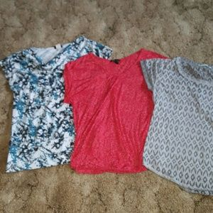 Lot of 3 shirts size medium/large