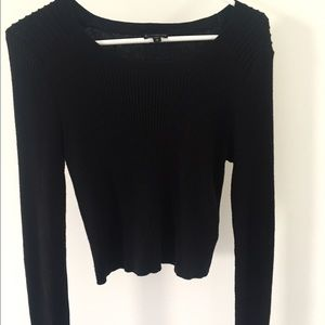 NWOT Medium (Fits small) cropped black sweater