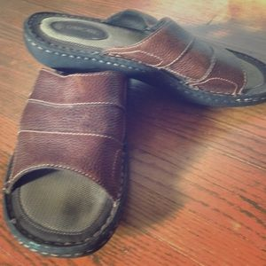 Cherokee Other - Men's 10.5 summer brown slide on sandals. Like new