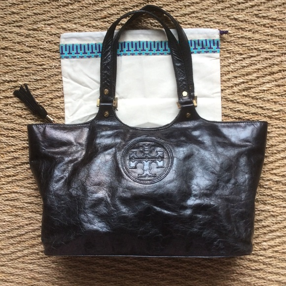 01ff714319e2 AUTHENTIC TORY BURCH CLAYTON BOMBE LEATHER HANDBAG.  M 588e3cb241b4e057aa01157d