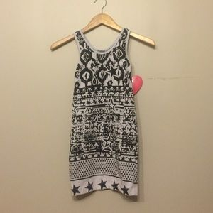 Dirtee Hollywood Other - Cute White and Black Dress/Tunic