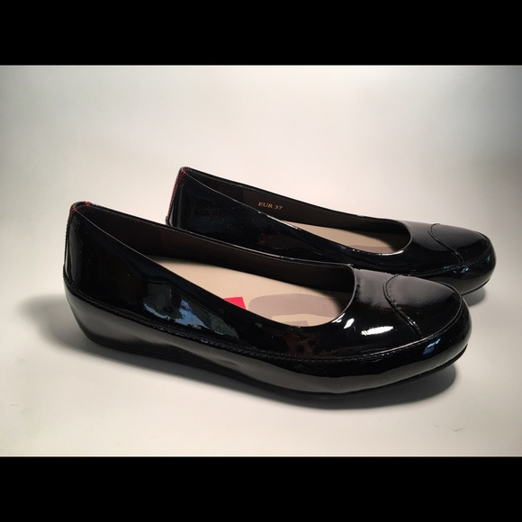 792f71d60710 FITFLOP Patent Leather SlipOn Flats BLACK EUR 37