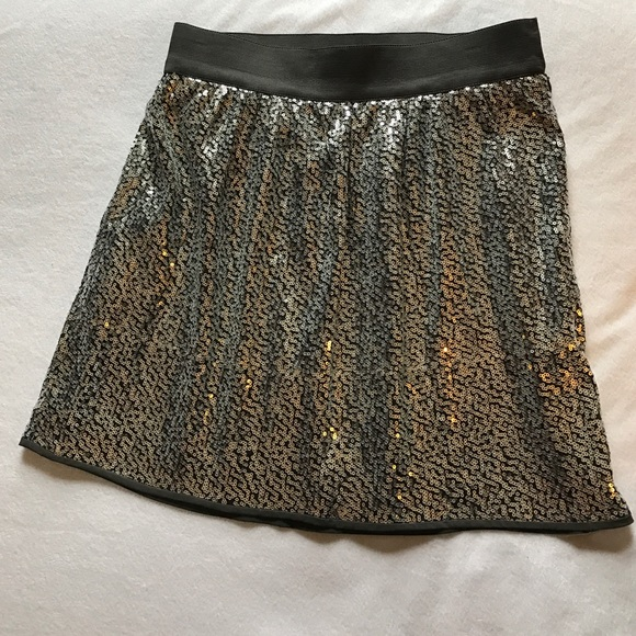 GAP Skirts - Gap silver sequin mini skirt.