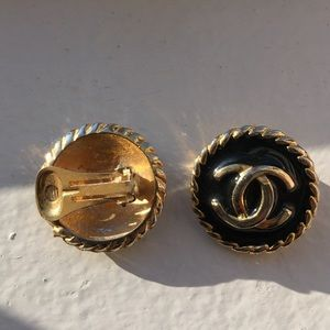 Accessory Collective Accessories - Gold clip on earrings